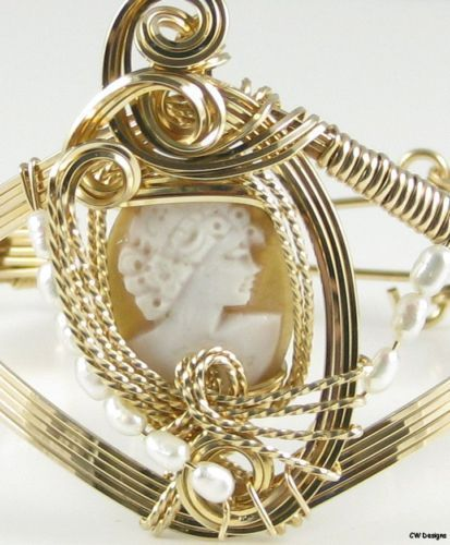 Italian Carved  Shell Cameo Bracelet 14K Rolled Gold