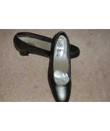 Ashley Taylor Pumps Shoes 7.5 Flex Sole Gray Silver Pewter - $6.00