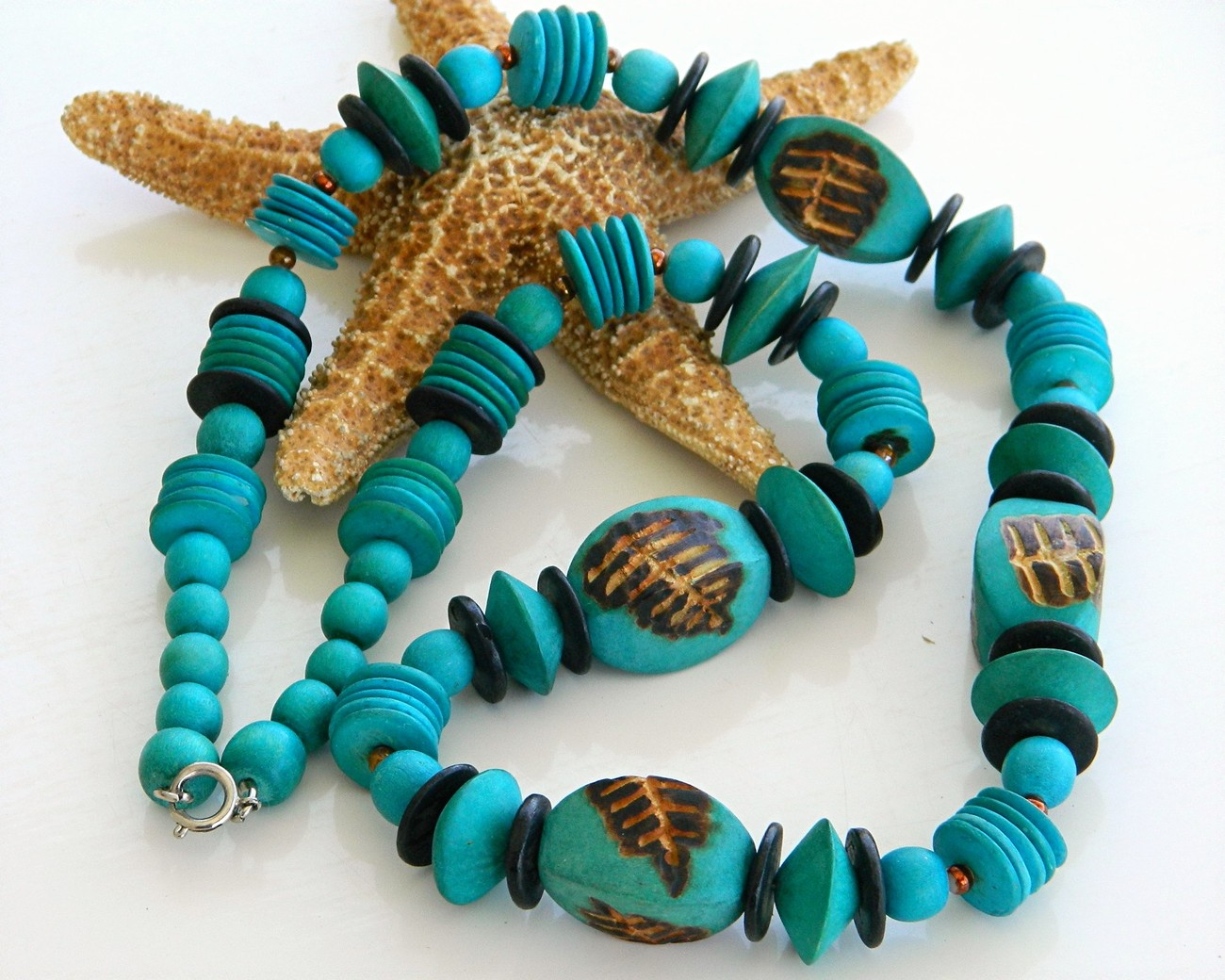Vintage Handmade Wooden Necklace Chunky Turquoise Beads Wood.jpg