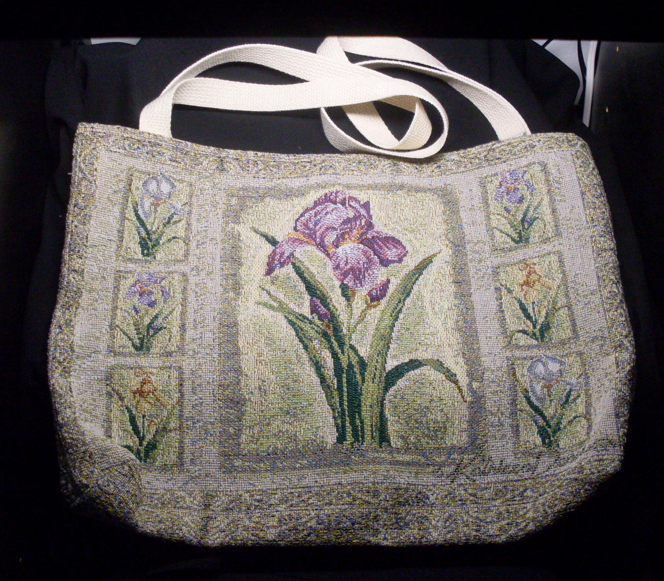 brands Tapestry handbags in Manitoba