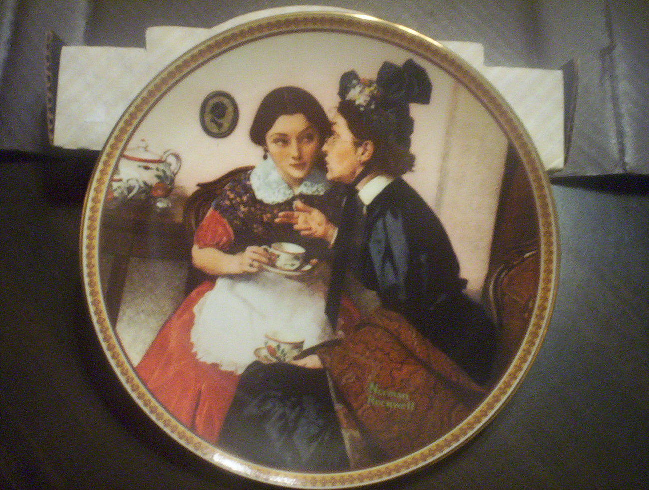 Norman Rockwell Rediscovered Women Collectible Plate, Gossiping In The Alcove