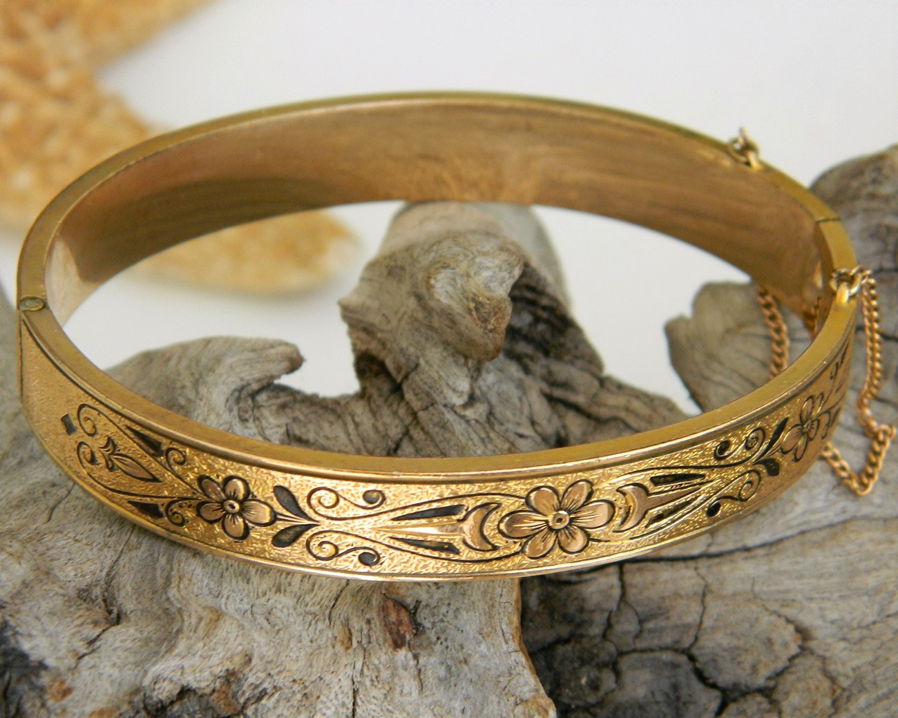 Vintage_bangle_bracelet_gold_filled_10k