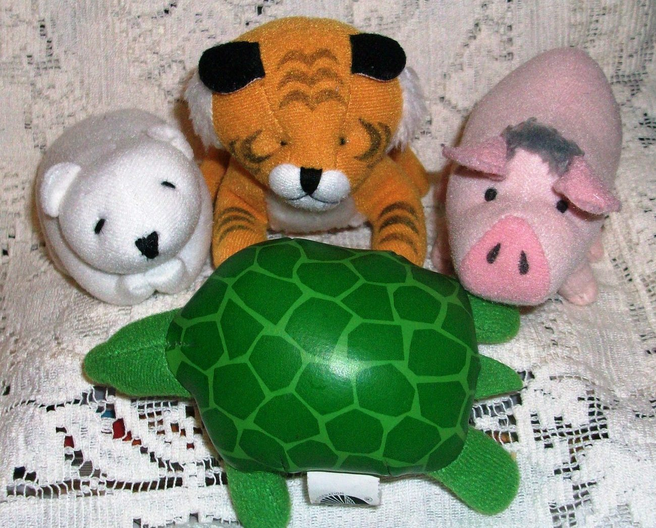 4 McDonalds Happy Meal Toys Stuffed Lion Babe Turtle Polar Bear Wildlife
