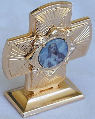 Mini_cross_statue-a-1