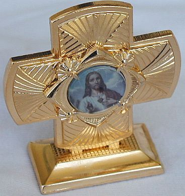 Mini_cross_statue-a-3
