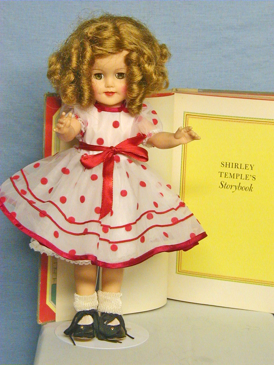 Shirley Temple Doll with Shirley's book of Fairytales - Ideal Doll - 15""