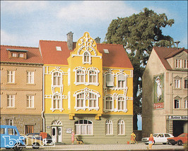 POLA HO 11178 (178) - Art Nouveau Townhouse - KIT - $66.50