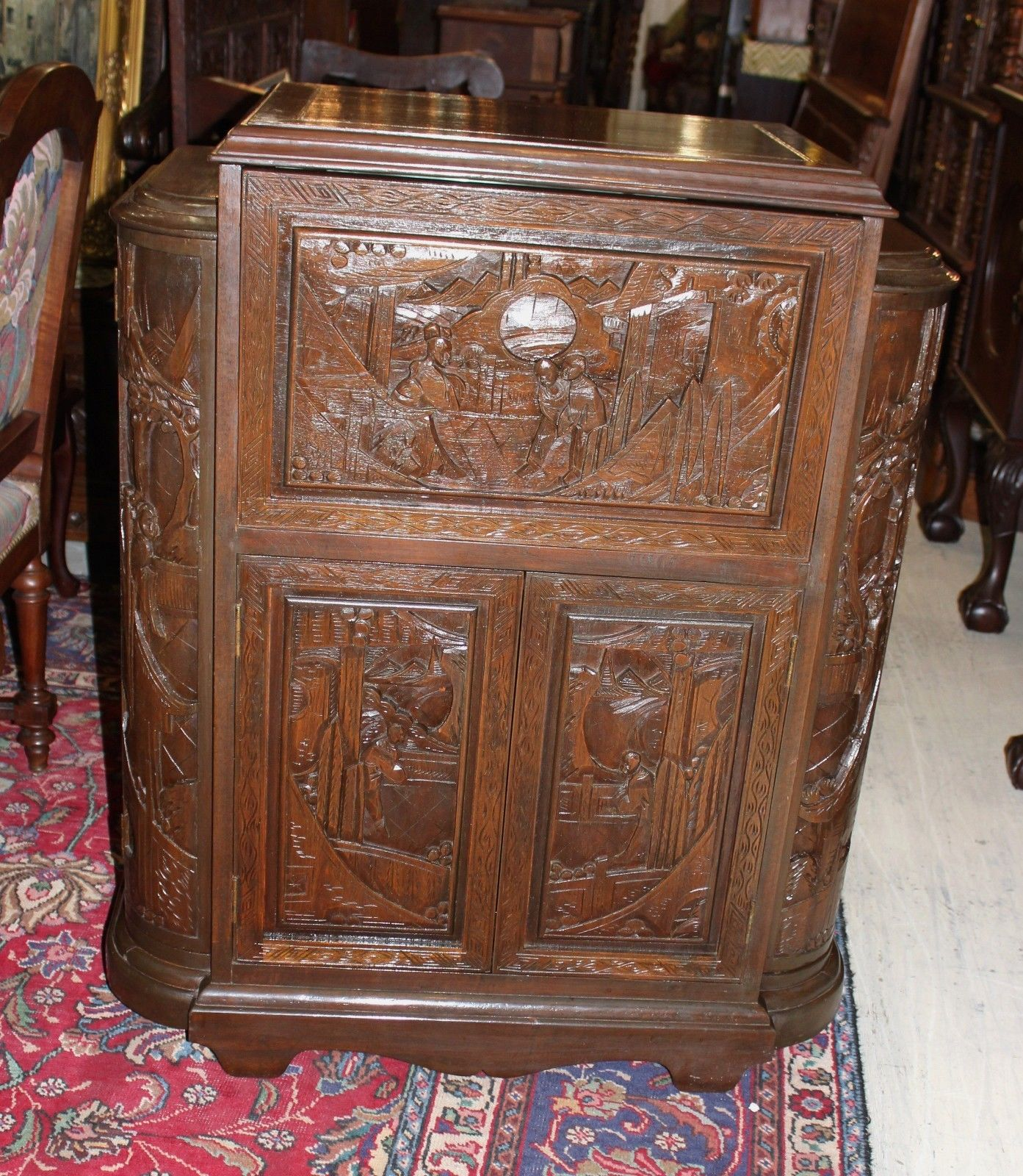 Beautiful carved antique mahogany chinese cocktail cabinet for Antique asian cabinet