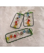 Handcrafted Flowers On Trellis Beaded Green Wir... - $20.00