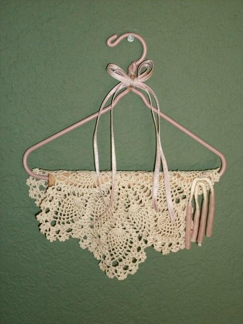 LOVELY LACE & RIBBON WALL HANGING - VERY ROMANTIC!