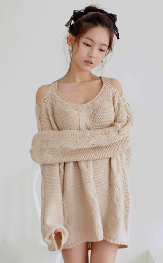 2012_autumn_winter_chunky_knit_loose_sweater_off_shoulder_front_view