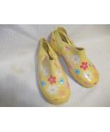 Girls' Gymboree Yellow w/ Flowers Rubber Slides... - $10.88