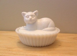 Westmoreland White Milk Slag Glass Cat on Nest ... - $59.95