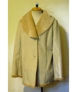 COVINGTON Women's Faux Suede Creamy Tan Shearli... - $20.57