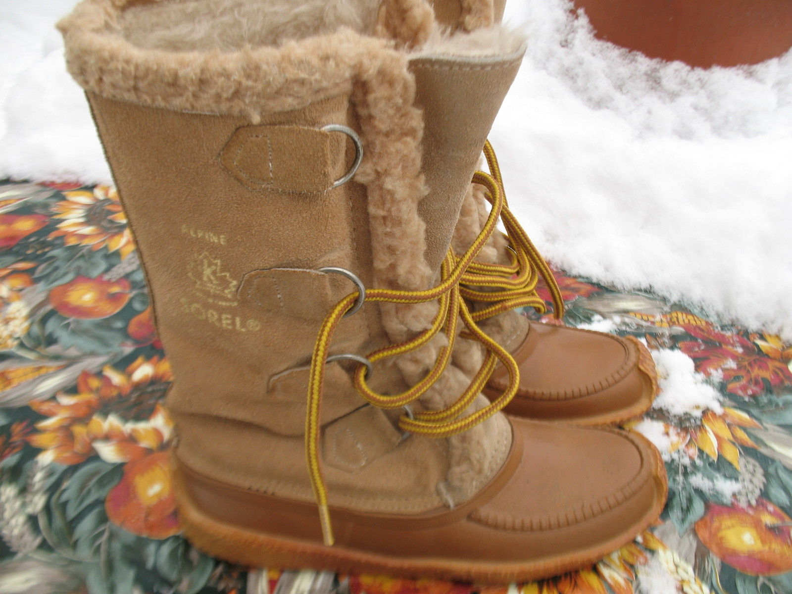 Alpine winter snow boots mukluks kaufman size 5 made in canada boots
