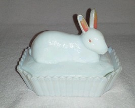 Vintage opal glass rabbit by Westmoreland (P140... - $49.00