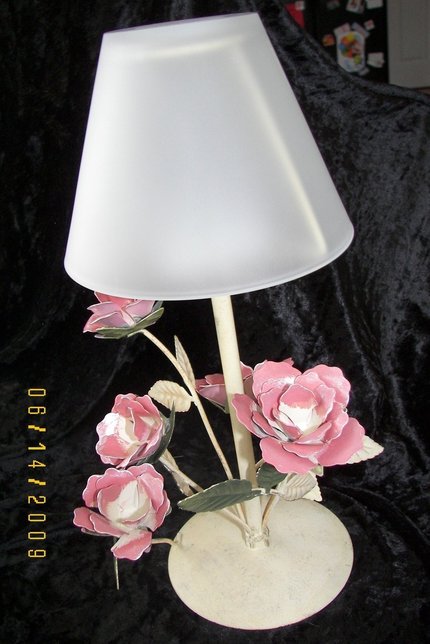 Yankee Candle Long Stem Rose Tea Light Lamp