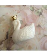 Avon White Milkglass Royal Swan Bird of Paradis... - $10.00