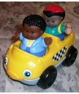 FISHER PRICE LITTLE PEOPLE TAXI CAR AND 2 LITTL... - $6.95