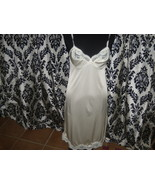 Vintage Ladies Adonna Size 34 Ivory Color Lacy Nylon Slip  - $289,11 MXN