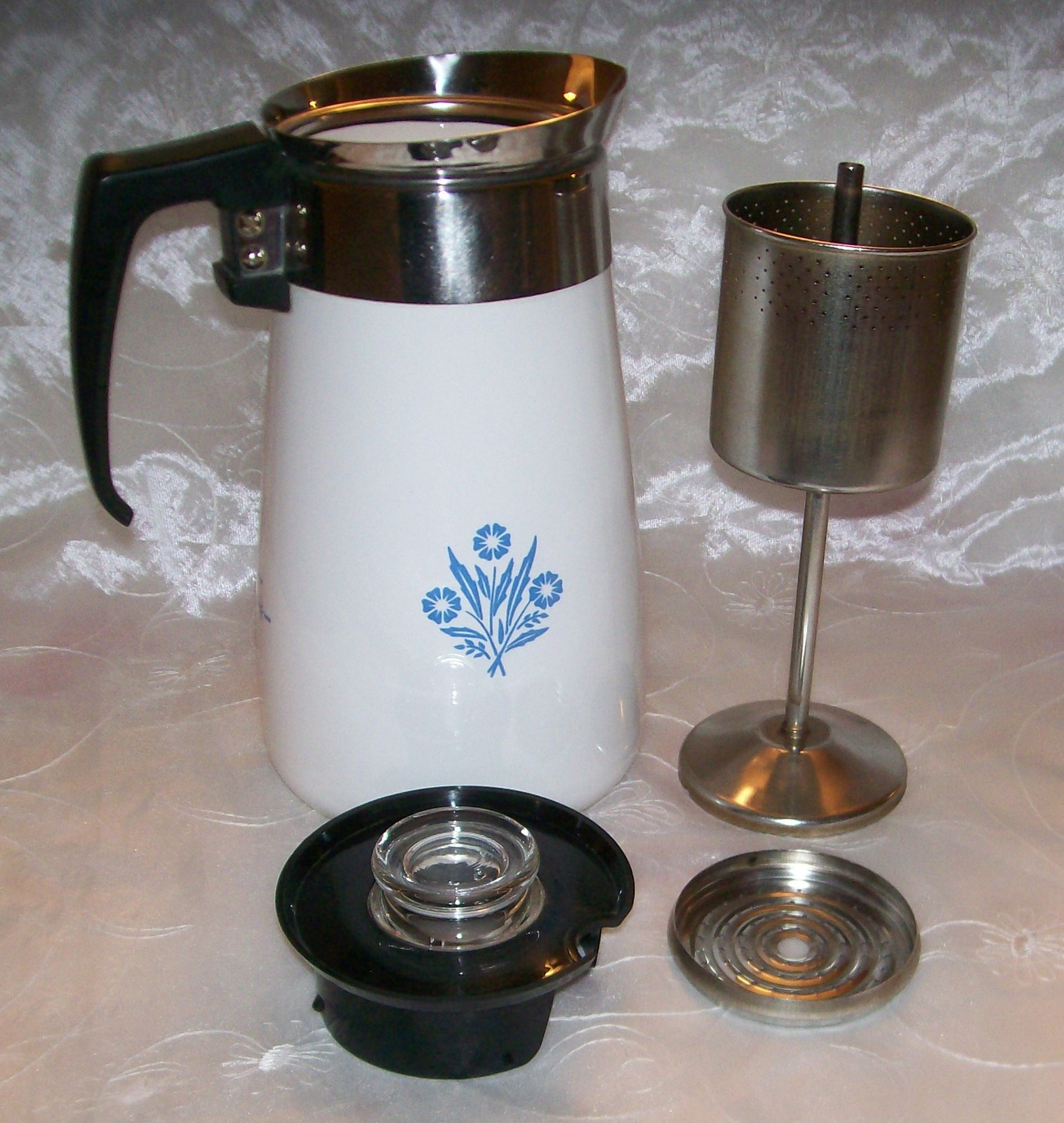 Vintage corning blue cornflower stove top 9 cup coffee pot for Best coffee percolator