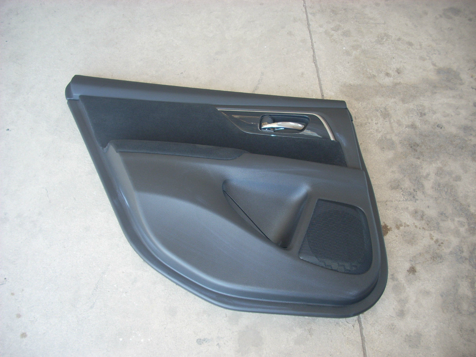 2013 nissan altima left rear door trim panel for 01561 left rear door
