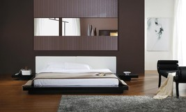 Chic Modern Opal Black High Gloss Finish Queen Size Platform Bed Contemporary