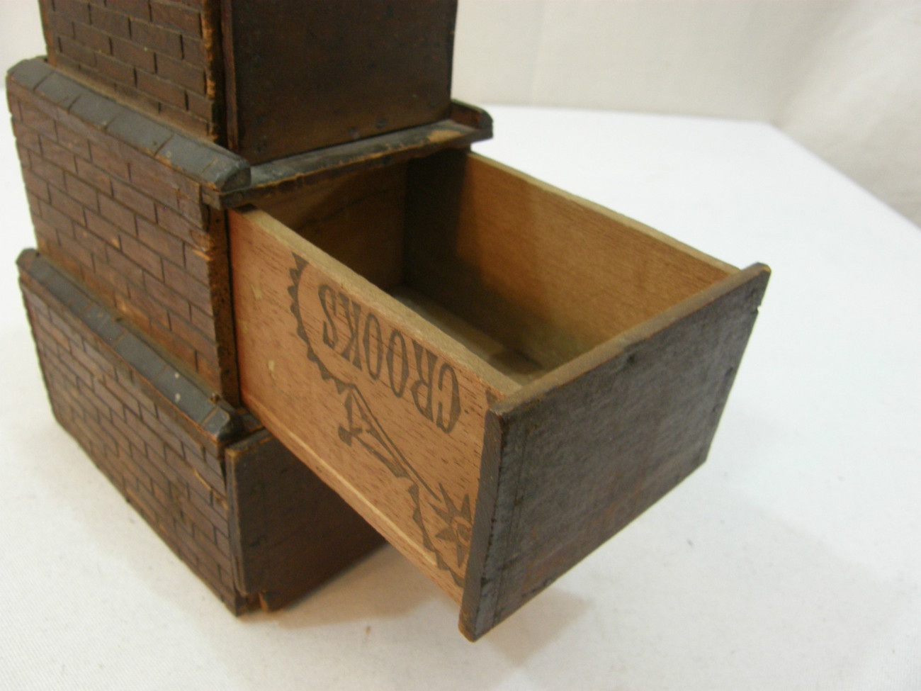 Prison_box_11