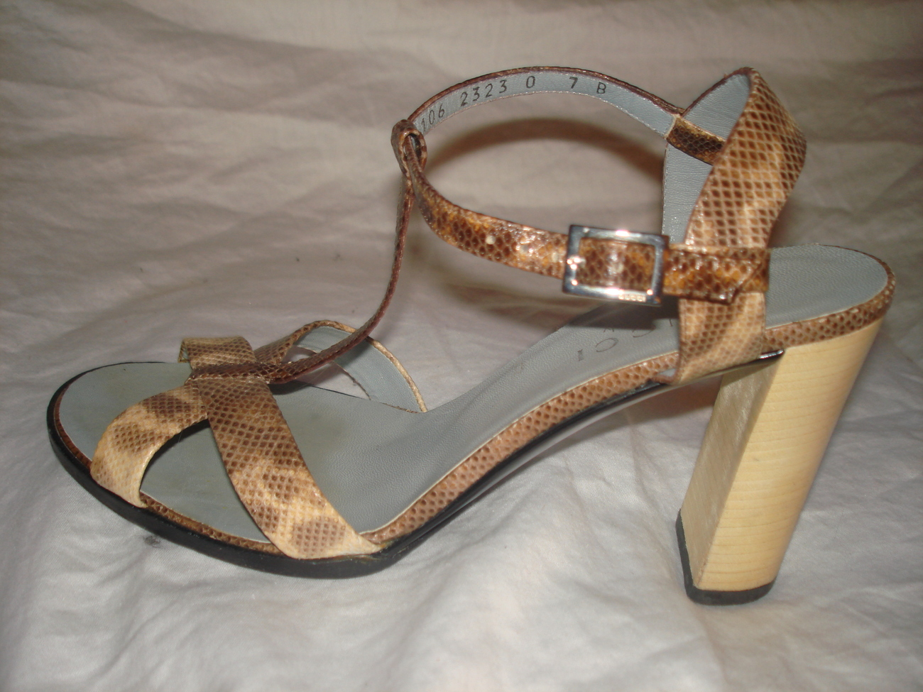 Gucci lizard skin women sandals Sz 7B