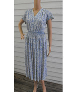 Paisley Print Dress White Blue Vintage 60s Smoc... - $39.99