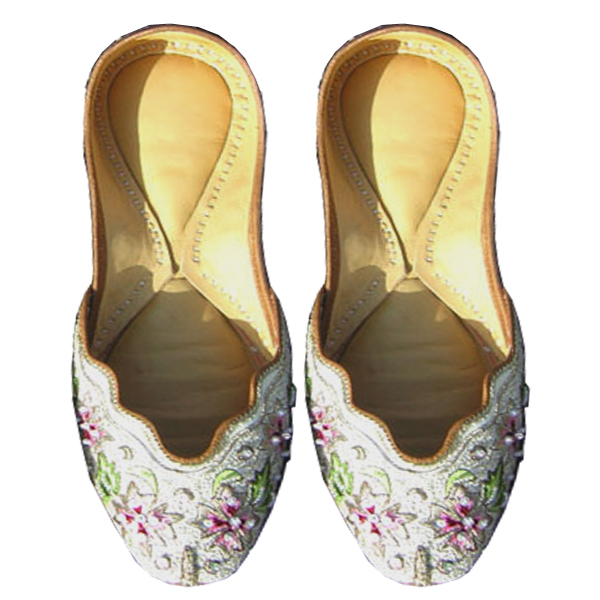 Popular Sandals  10 Stylish MustHave Indian Wedding Shoes