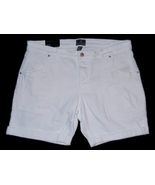 Gap_white_short_front_thumbtall