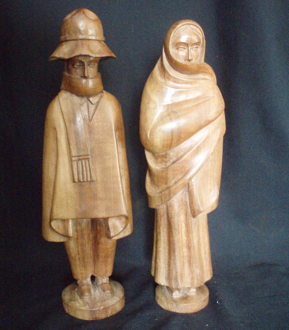 Hand carved Swedish Couple statues Maple vintage figurines