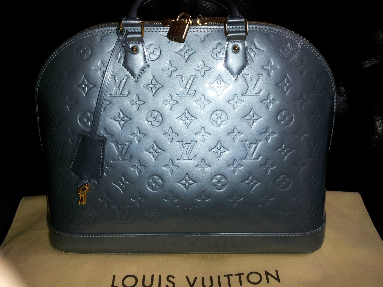 LOUIS VUITTON VERNIS LEATHER ALMA MM HANDBAG BLEU GIVRE - BRAND NEW!!