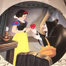 1992, Disney Knowles, Snow White Collector Plat... - $10.36