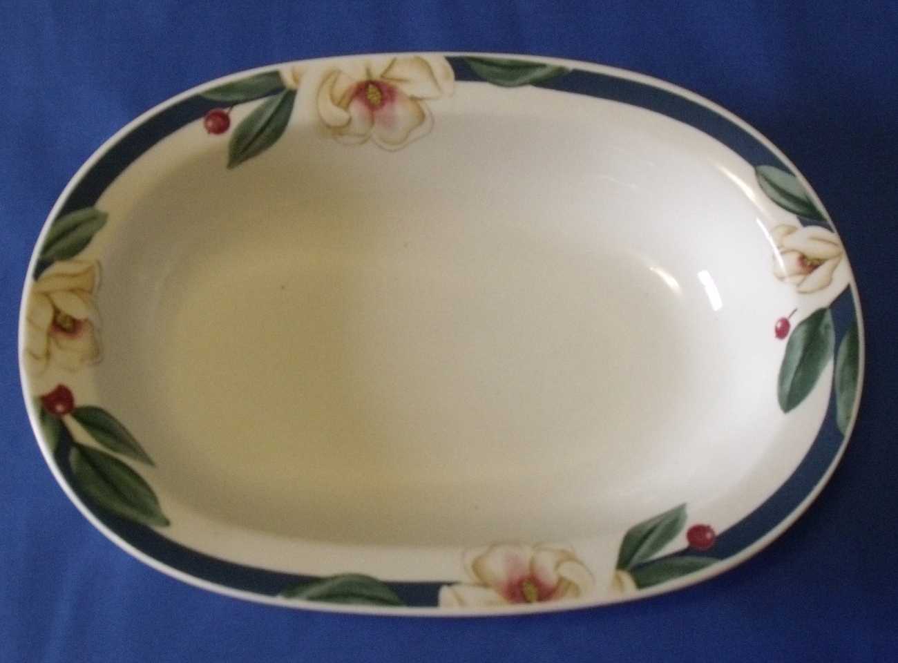 Savannah_grove_oval_bowl_top