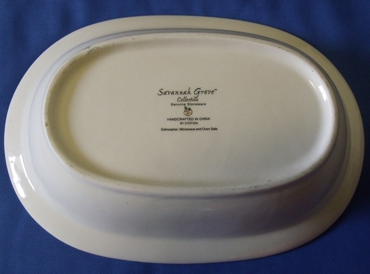 Savannah_grove_oval_bowl_bottom