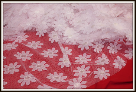 NEW IMPORTED FRANCE PINK & WHITE  DAISY NETTING FABRIC