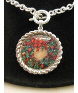 Christmas Wreath Silvertone Toggle Necklace New - $12.00