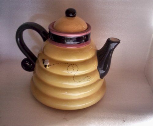"Debbie Mumm   Bee Hive Tea Pot  7""  w/bee on the side"