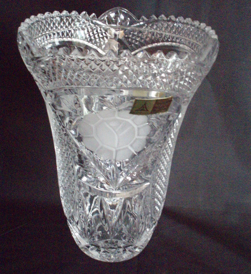 Anna Hutte 10  hand cut etched crystal vase urn German
