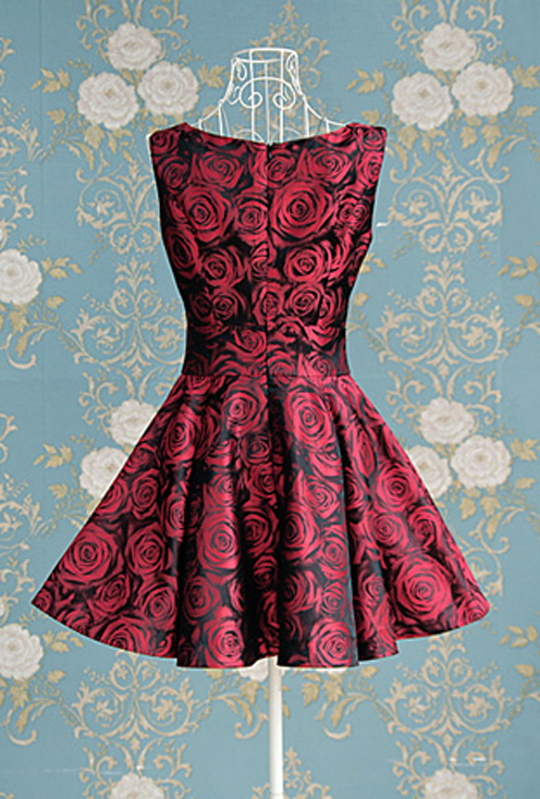 2012_spring_summer_borcade_dress_red_roses_back