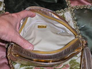 Gold_purses_018