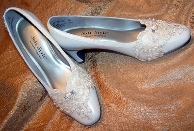 Ivory Lace Wedding Shoes on Ivory Beaded Lace Embellished Bridal Shoes Size 6   Shoes