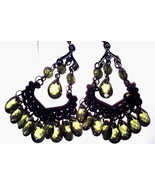 Chandelier earrings green - $2.10