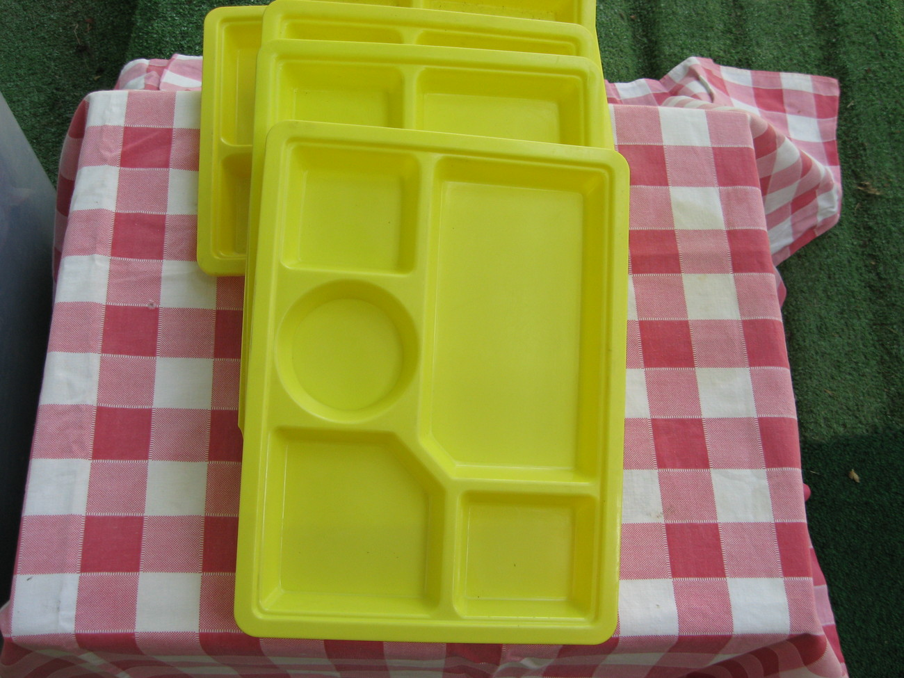 Yellowtrays