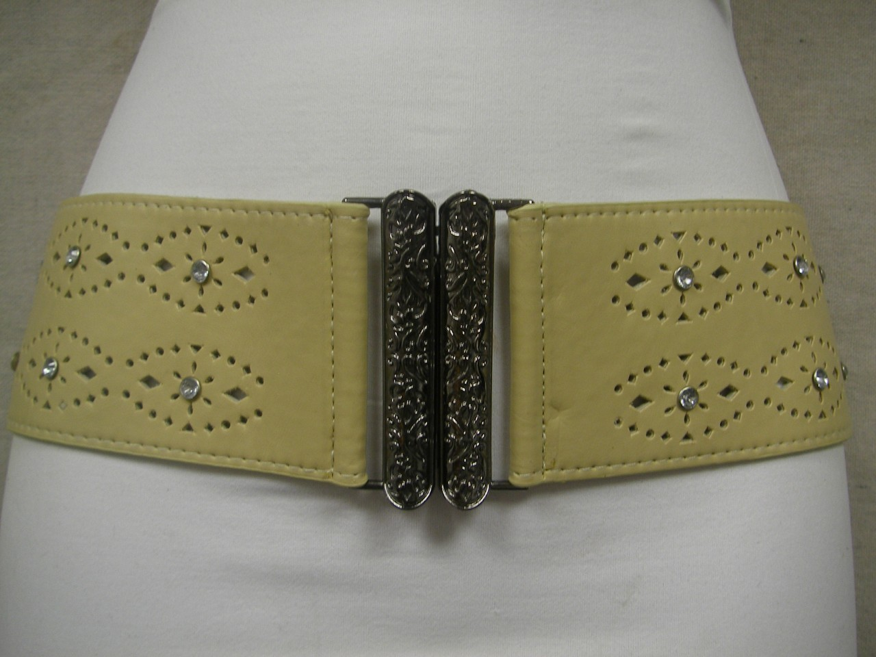 "LADIES RHINESTONES CREAM STRETCH BELT W/ DESIGN & ELEGANT CHROME BUCKLE 29""-37"""