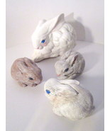 Four_hand_painted_vintage_ceramic_bunny_rabbits_sitting_01_thumbtall