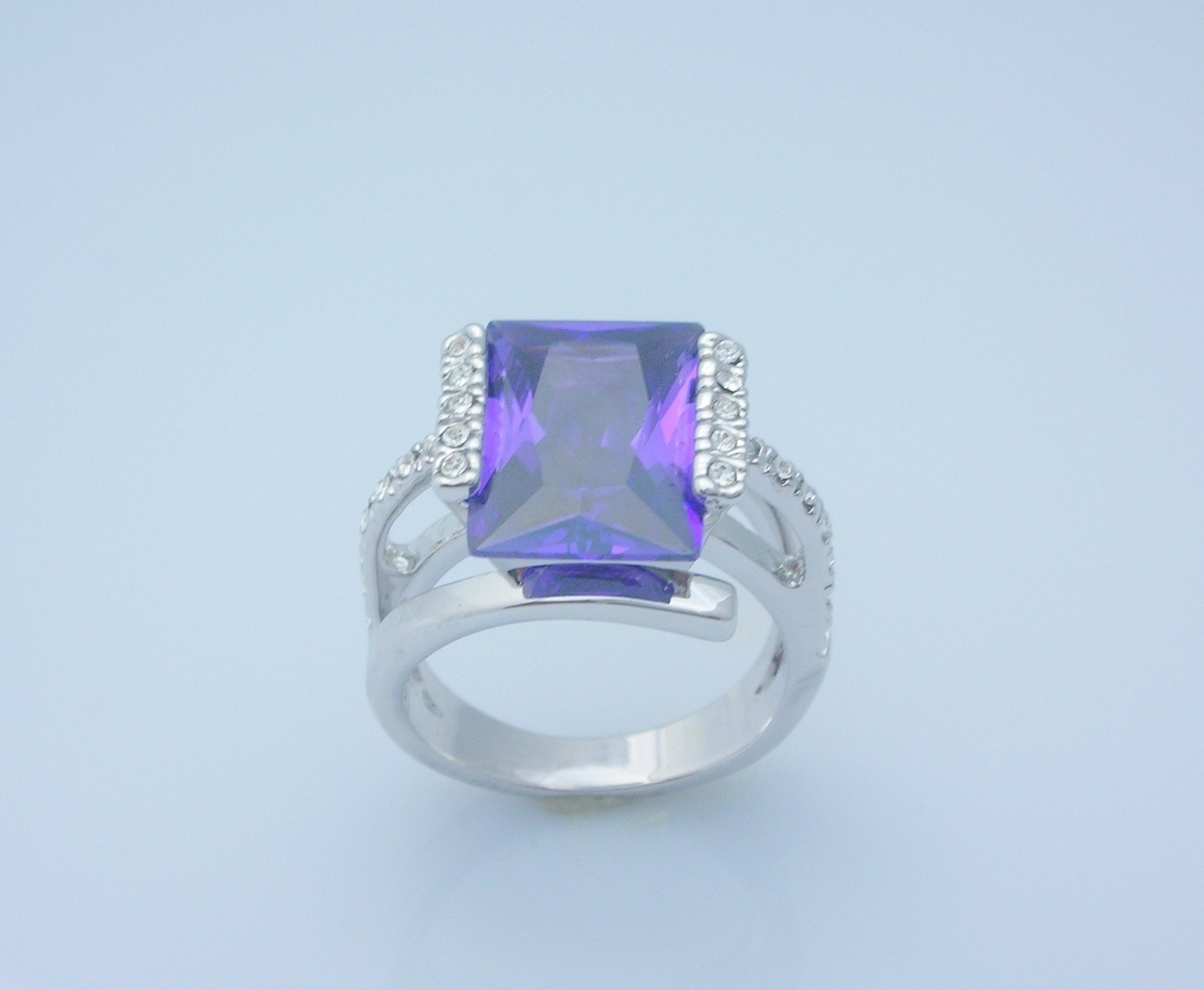 12.6 Carat Alexandrite Princess Cut Ladies Fashion Ring Size 8