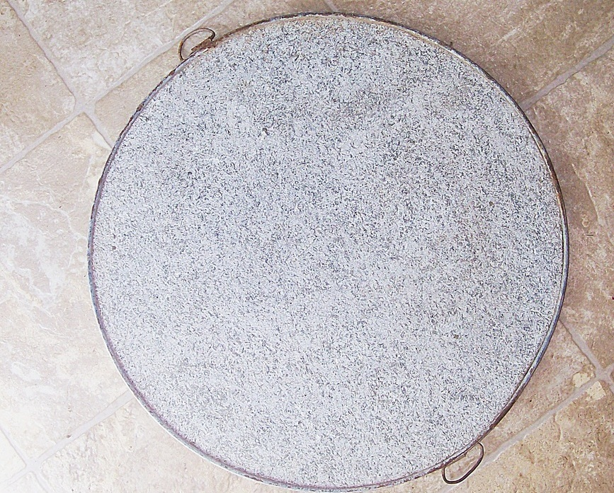 Early 1900s Antique Soapstone Griddle 16 in dia      Round Metal Ring w Handles
